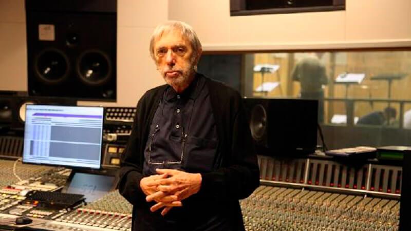 Композитор Эдуард Артемьев в Первой музыкальной студии «Мосфильм».